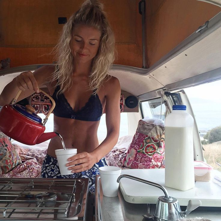 Long sleep in, morning swim, and cuppas in bed  #vanlife @elisecook