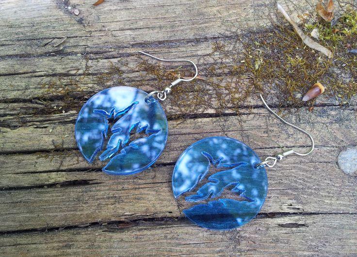 Nice reflections in plexiglass earrings.