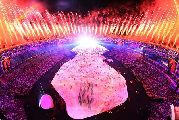 史上初となる南米での五輪開催。歴史的な開会式は、ブラジルが誇る世界最大級のサッカー専用スタジアム・マラカナンで行われた【Getty…