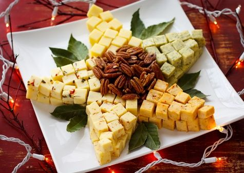 Christmas Cheddar Star..such a great idea for a Holiday Party!!