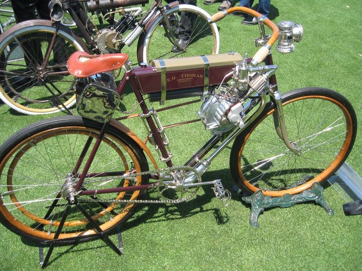E R Thomas gas driven bicycle