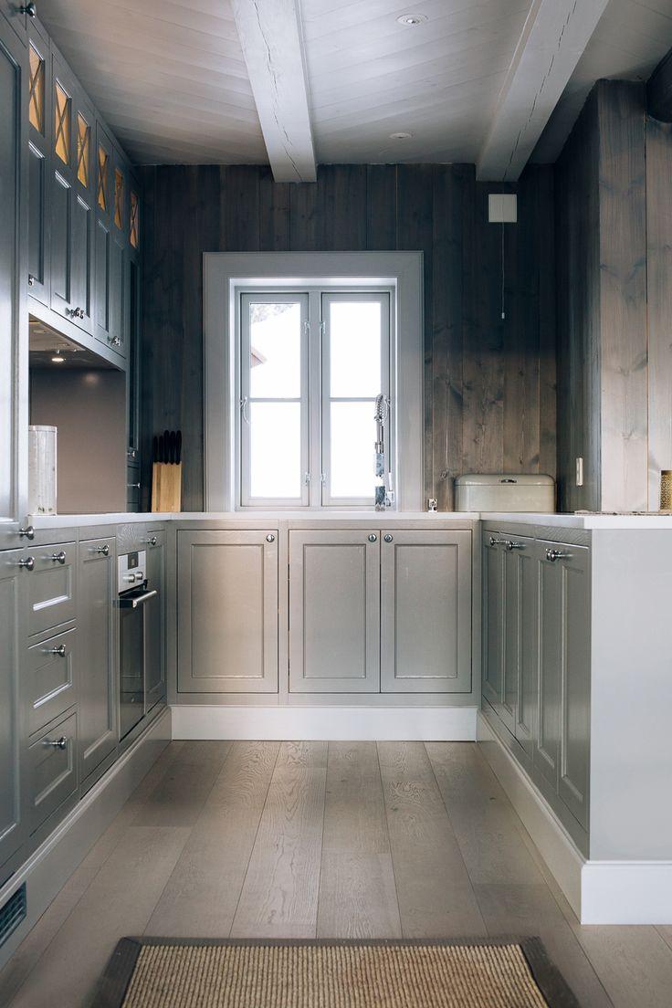 Tradisjonelt kjøkken på Geilo — Custom Kitchen & Interiors