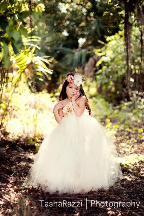 Tutu dressBeautiful Flower, Flower Girls Dresses, Little Girls, Girls Generation, Sweets Girls, Little Flower, Brides Dresses, Tutu Dresses, Photos Shoots