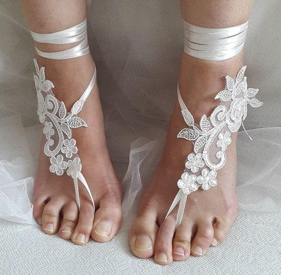 Hey, I found this really awesome Etsy listing at https://www.etsy.com/listing/467680785/bridal-accessories-ivory-lace-wedding