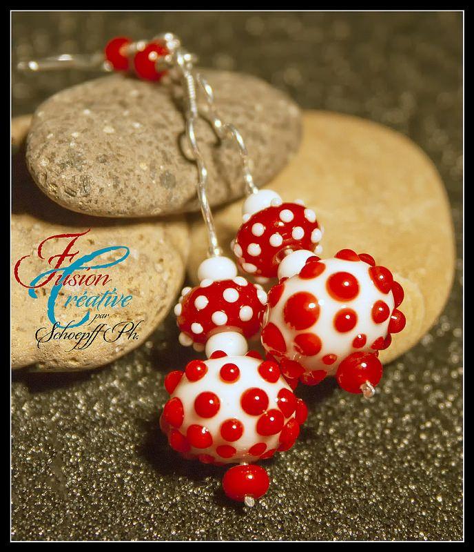 """Boucles d'oreilles Collection """"Red Point"""" Perles de verre de Murano. Fait Main."""