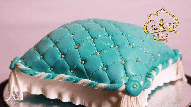 A tiny turquoise cushion for a cake! How's that?! #cakes #themecakes #cakedecorating #cushioncake #cakeyourideas #cakedindia #caked