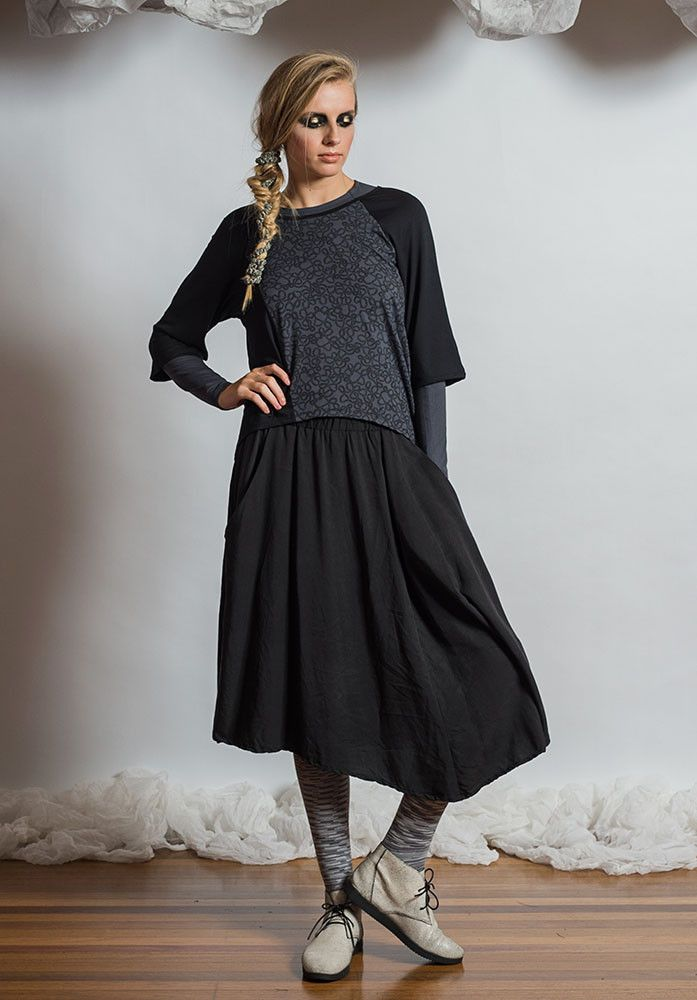 Loom Top black/storm yarn – Australian made bamboo jersey. All Rant Clothing garments are ethically made in Brisbane Australia.  Sustainable Fashion Sustainable Fashion