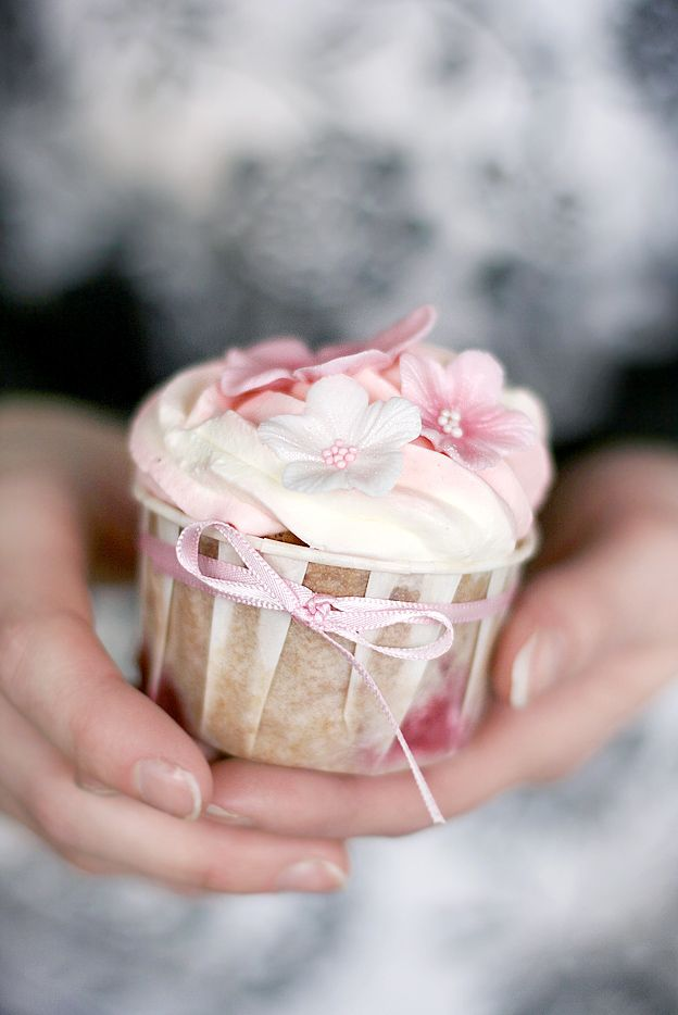Strawberry Cupcakes by Call Me Cupcake.: Cup Cakes, Idea, Sweet, Cupcakes, Food, Pretty Cupcake, Dessert