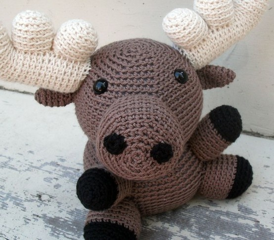 Amigurumi Moose : 83 best images about Labores on Pinterest Free pattern ...