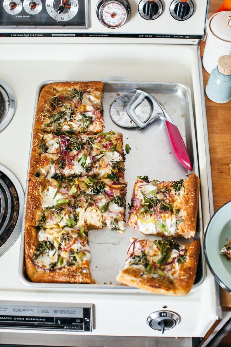 sheet pan pita pizza with broccolini and lemon