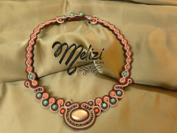 collar realizado con soutache y cristal checo cadena de por Melizi, €69.60