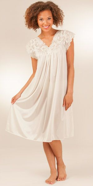 Not Done - Shadowline Silhouette Flutter Sleeves Short Night Gown in Ivory