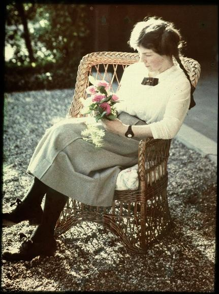 c.1910: Young Woman. Anonymus autochrome.