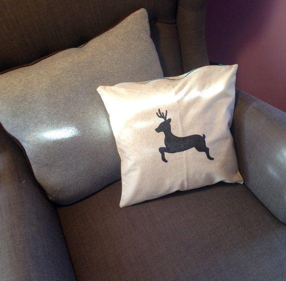Christmas reindeer pillow casepillow di LaTanaDiOtto su Etsy