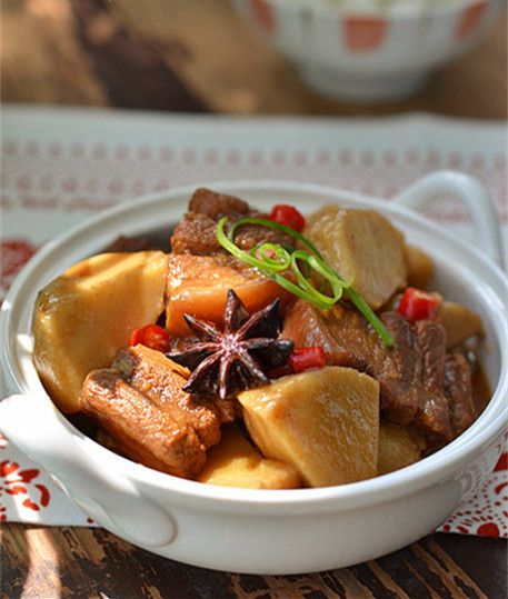Sweet Potato Pork Tenderloin Stew  Sweet potato pork tenderloin stew is a popular homemade ancient Chinese food. There is an alternatecooking method, whichis to fry white sugar cubesfirst,...
