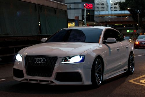 Oh Audi...I hope we will be a pair again one day. I miss you! ;-)