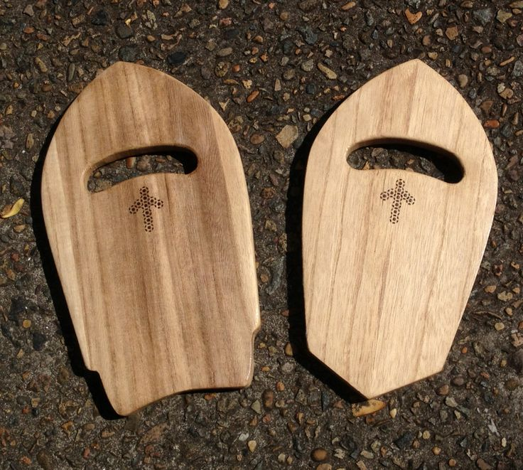 Custom handplanes made from paulownia wood. Fantastic promotional tool or original gift idea.