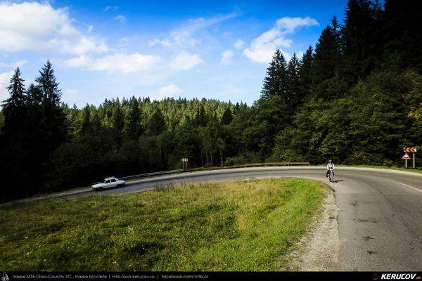 Traseu cu bicicleta MTB XC Zarnesti - Poiana Marului - Zarnesti (varianta familie, copil de 2 ani) . MTB XC Cycling Tour Zarnesti - Poiana Marului - Zarnesti (Family Version, 2 Years Old Child) - Judetul Brasov, Romania