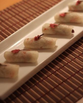 上品な一口タイプ♡ おしゃれな桜餅の作り方