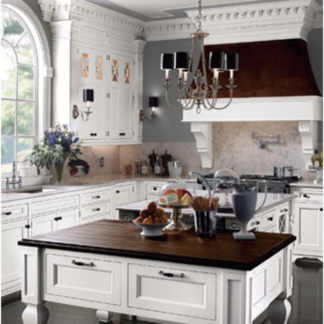 Wood Mode Kitchen With A Gorgeous Kitchen Island Http: 72 Best Images About Hamptons Style Kitchens On Pinterest