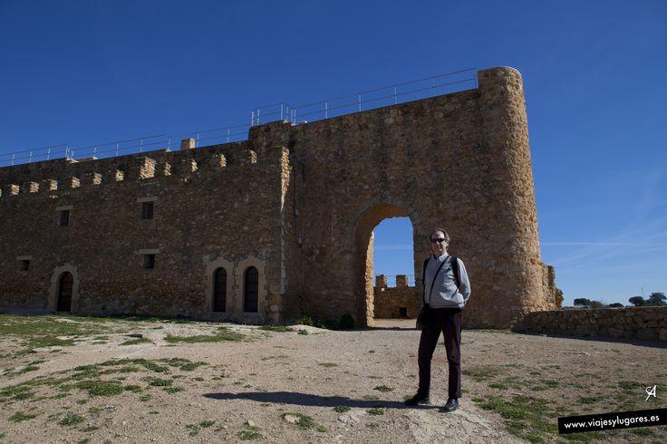 Castillo de Peñarroya: En el s. XIV Peñarroya era la encomienda más importante de la Orden de San Juan. Se trataba de una fortaleza para garantizar el aprovechamiento económico del territorio: arrendamiento de pastos, cobro de impuestos y protección de pobladores, a la vez que almacén de bienes de la Orden.
