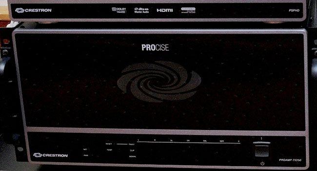 """Domácí kino na úrovni z trochu nečekaného směru. """"Chytrý"""" Crestron PROCISE. Více na http://www.hifi-voice.com/domaci-kino/a-v-receivery/1670-crestron-procise.html"""