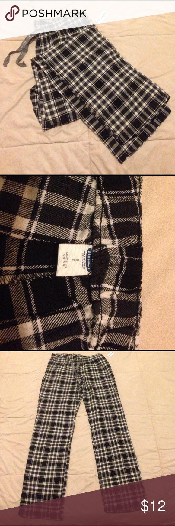 Old Navy Flannel Pajama Pants Brand new Old Navy flannel pajama pants with tags. Soft and cozy. Old Navy Intimates & Sleepwear Pajamas