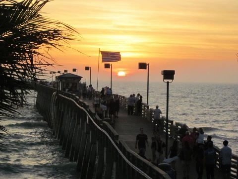 Sunset At Sharkey S On The Pier Great Restaurant And Tiki Bar Venice Beach Fl Favorite Places Es In 2018 Pinterest Florida