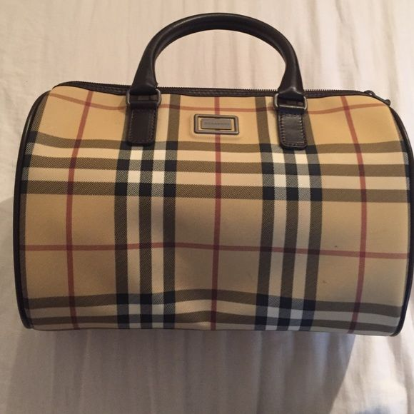 Burberry bag Like new only used once authentic no rips or anything vintage bag Burberry Bags Mini Bags