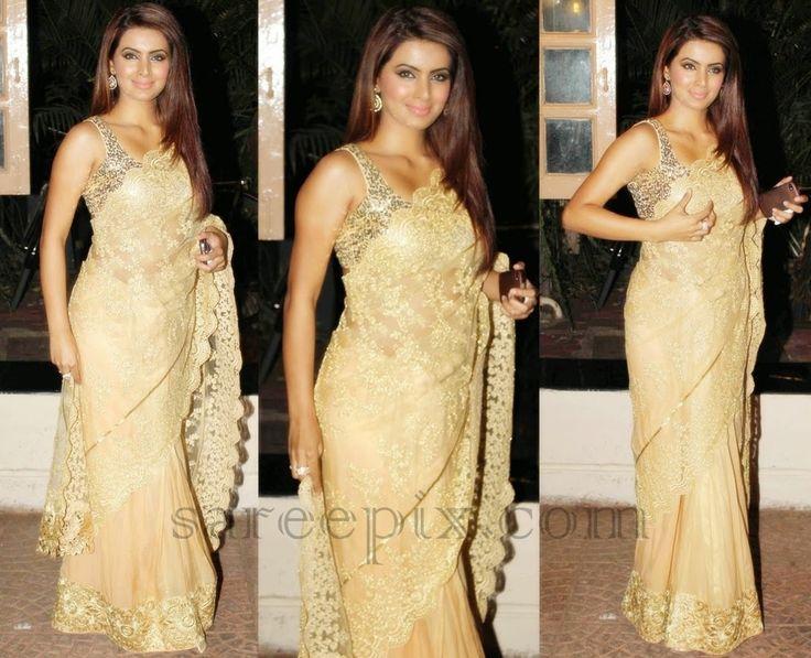 Geeta basra in gold half and half saree at Eka kapoor diwali bash 2014