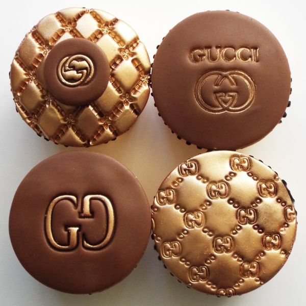 #GucciCupcakes  #GucciEmbosserStamp   http://www.itacakes.com
