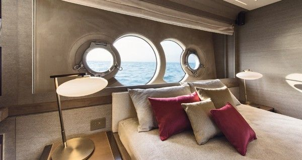 MCY105 Vip cabin
