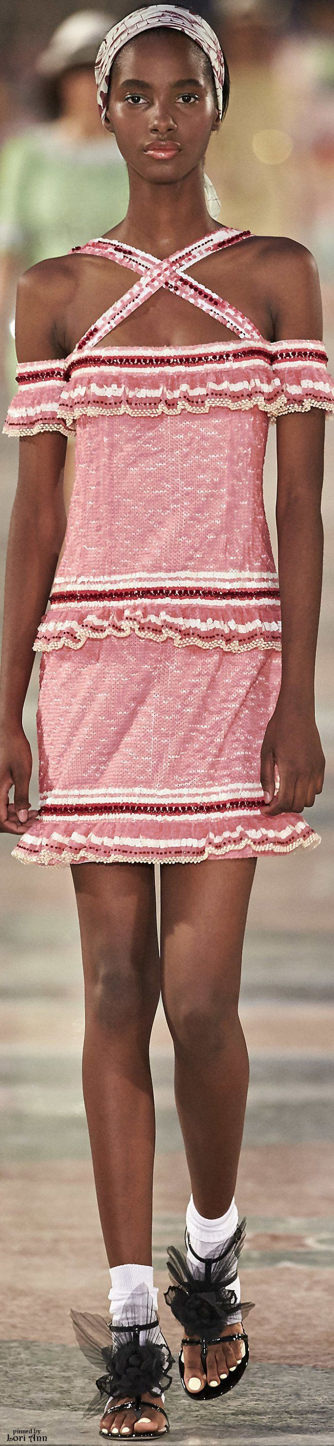 Chanel Resort 2017                                                                                                                                                      Más