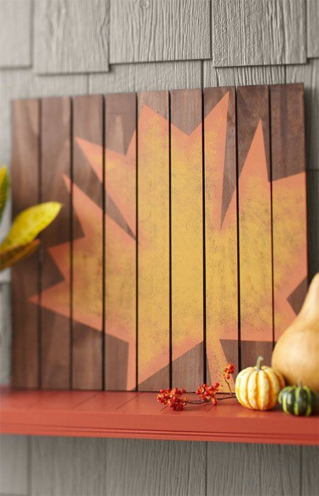 Make this easy-to-assemble plaque in a weekend as a fall decoration to display indoors or outside.