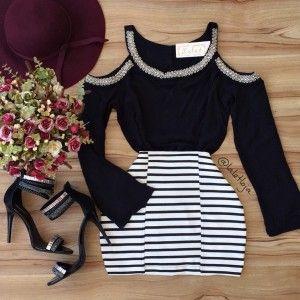 Blusa preta + Saia listrada= Combinação perfeita❤