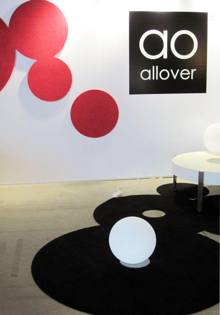 Habitare 2013. AO-allover, musta PompUp-matto ja punaiset INNOturf-akustolevyt - AO-allover, black PompUp carpet and red INNOturf acoustic slabs. Saatavilla/Available in: http://www.taloon.com/ds/hakutulokset?b=AO-allover
