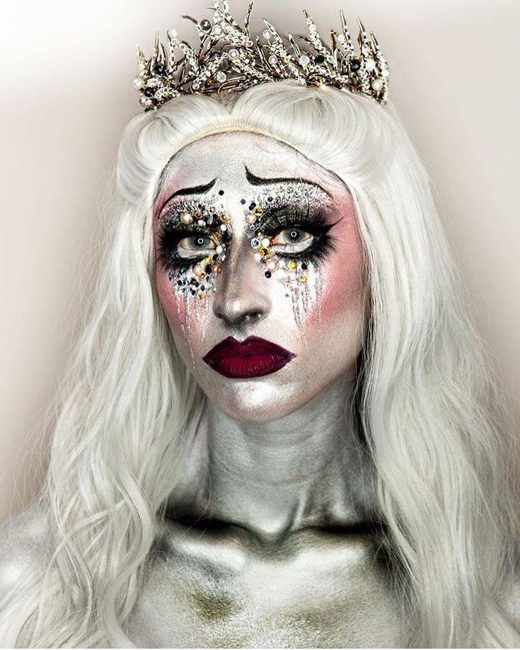 @dermaflage defines this Snow Queen look using the Illamasqua Precision Gel Liner in Infinity. #illamafia