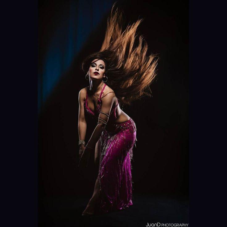 Samantha's Dance Dancer:@zahiasamantha  #bellydance #danzaoriental #fotografo #barcelona #photoshoot #studiolighting #studiophoshoot #orientaldance #danzadelvientre #orientaldress #arabiandance #exoticdance #dancephotoshoot #dancer #dancepassion #redhair #redhead #hairflying #sesiondefotos #dancephotographer #fotografodedanza #juand #juandphotos
