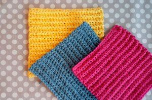 Ribbed Washcloth Free Crochet Pattern. Great a simple instructions.  A great practice project.