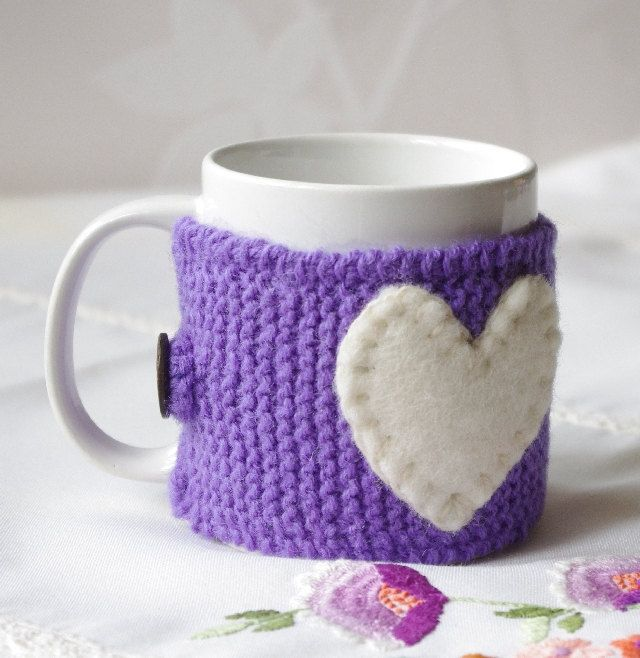 Knitted purple coffee cup cozy with felted heart. Tea Cup cozy. Wool cup warmer. Wool cup cover. Knitted mug cover with heart. by tertsdesign on Etsy