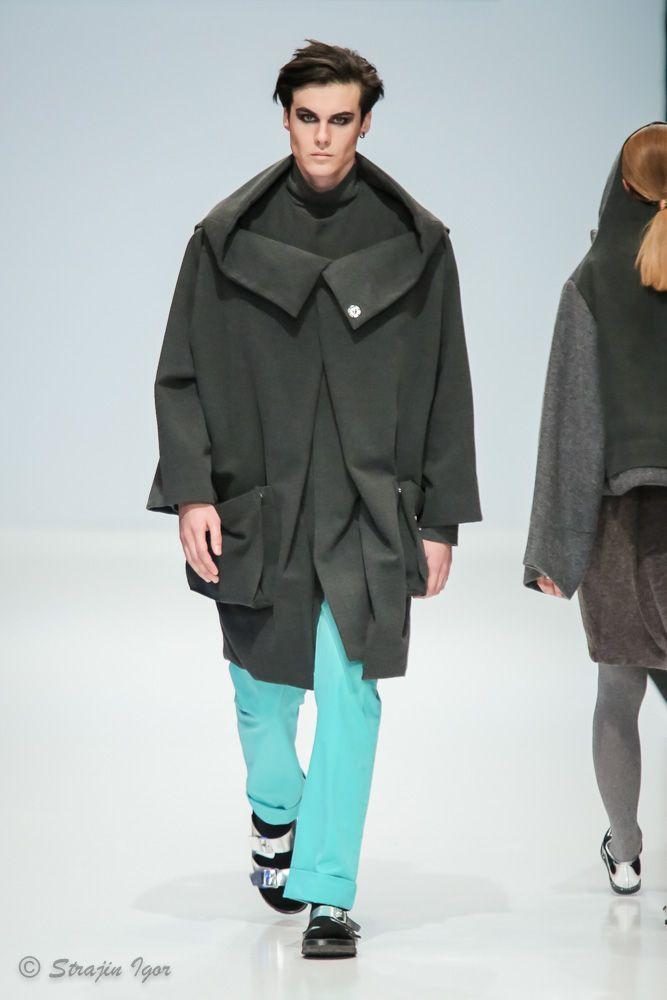 Двухслойное мужское пальто
