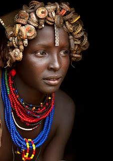 Linda mulher do Povo Dassanech (Dassanetch ou Daasanach)  ~ Vale do Omo, Etiópia