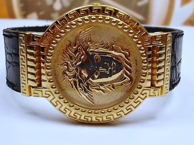 146d4a763462 Gianni Versace Signature Gold Plaque Medusa Mens Watch - Original Gianni  Versace 1993 design
