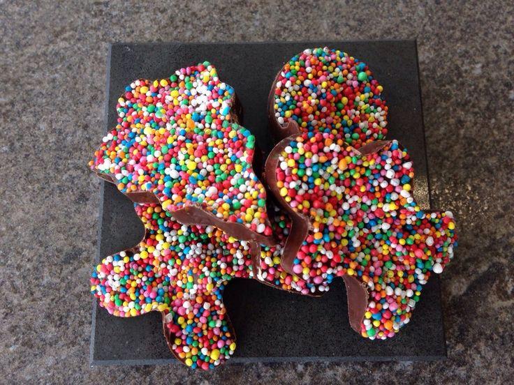 chocolate freckles: http://forkandkniv.com/christmas-chocolate-freckles/