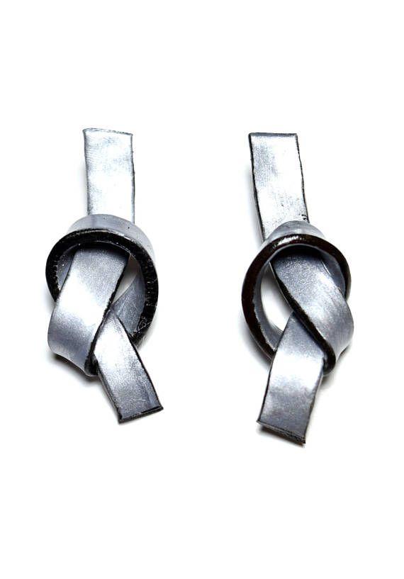 Silver stud earrings, Silver knot earrings, Geometric silver earrings, Stud earrings, Knot earrings, Minimal earrings, Polymer clay earrings