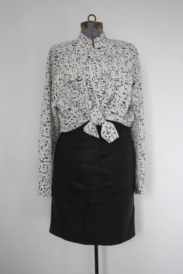 vintage patterned blouse / print top / vintage top / long sleeved blouse medium / blouse 38 / festival blouse / vintage shirt / ladies top by shopidavan on Etsy