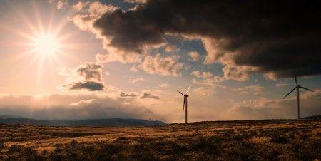 Ora aqui está uma política a adoptar a muito curto prazo pelos gigantes energéticos. Mais exemplos destes se irão seguir, é certo! Alemanha: maior empresa do sector energético vai focar-se inteiramente nas renováveis 03/12/2014 :: Energia Solar Térmica TISST