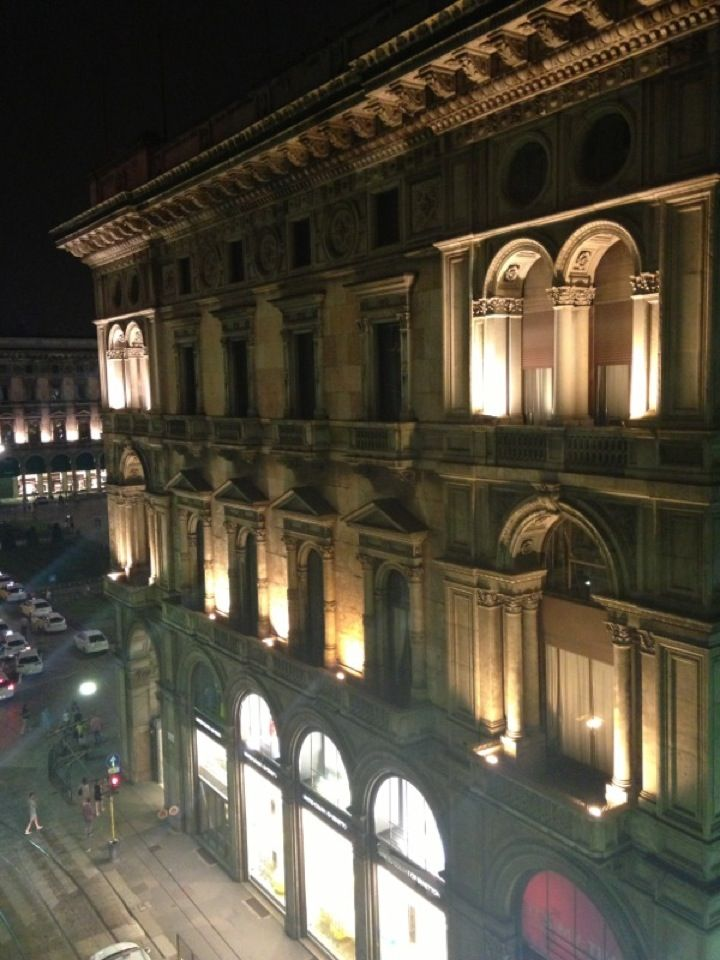 Travel to Milano with Fireflies! https://www.fireflies.com/Hotel?id=135840&type=detail&searchId=1153315&order=DISTANCE_ASC&offertype_filters=&price_filters=&star_filters=&review_filters=&service_filters=&voucher_filters=1,15&st=0