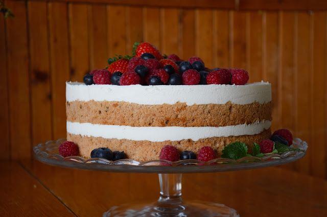 CÁCORkA: Můj narozeninový dort  Lehký korpus s kávou a jogurotvo - šlehačková náplň