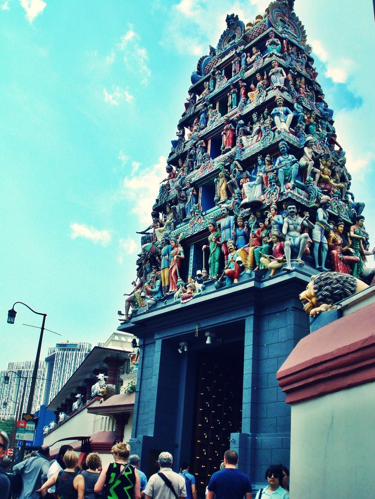 Sri Mariamman Temple -  #Day1 Visiting Sri Mariamman Temple, one of the oldest hindu temple in Singapore. Awesome.. #SGTravelBuddy